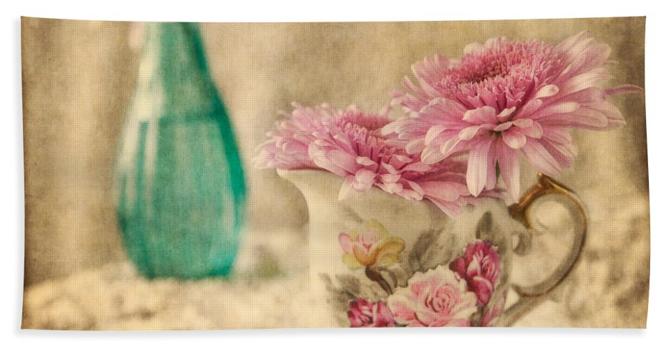 Floral Beach Towel featuring the photograph Vintage Color by Dale Kincaid