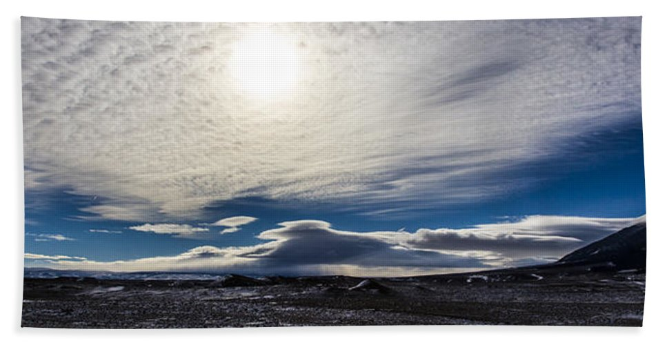 Outdoors Beach Towel featuring the photograph Visus Obscuratur by Angus Hooper Iii