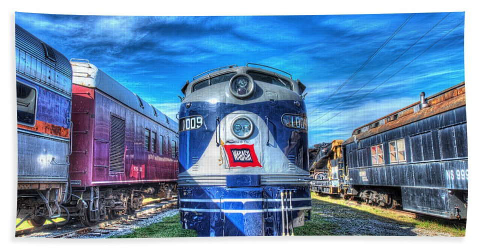 Historic Beach Towel featuring the photograph Wabash E8 No 1009 by Greg Hager