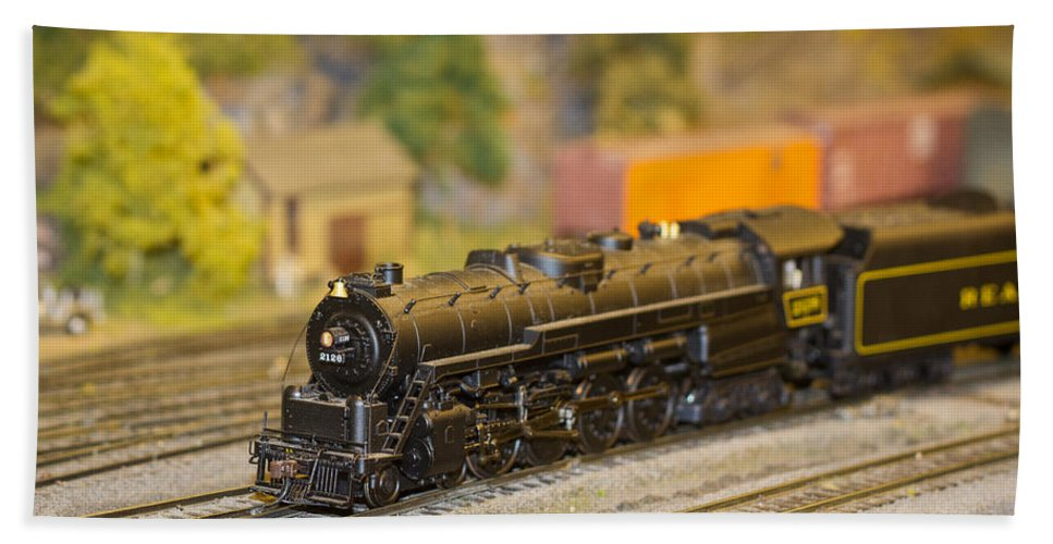 Train Beach Towel featuring the photograph Waiting Model Train by Patrice Zinck