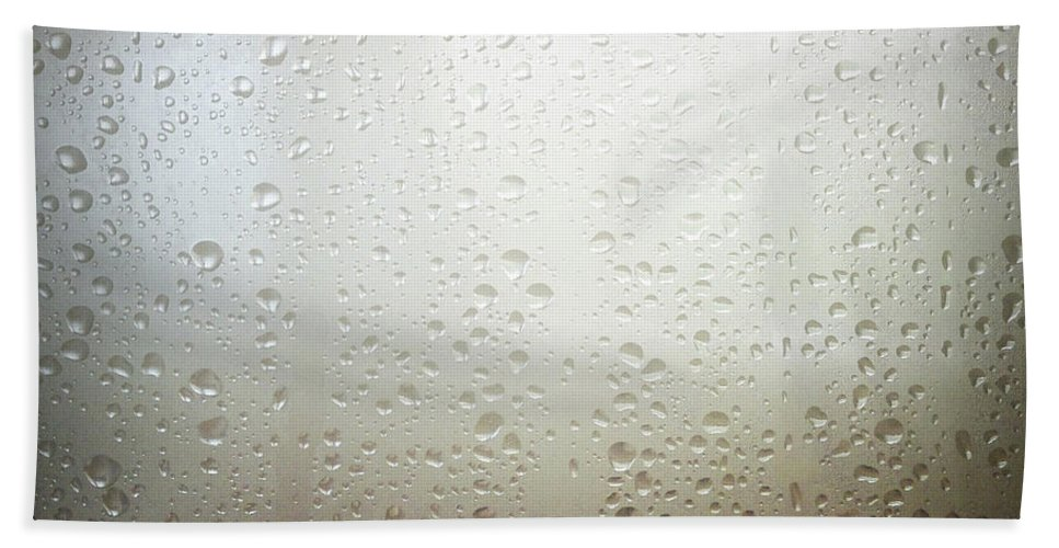 Steam Beach Towel featuring the photograph Water Drops by Les Cunliffe