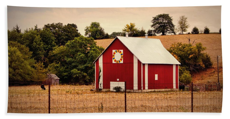 Barn Beach Towel featuring the photograph Wedding Ring Quilt Barn by Cricket Hackmann