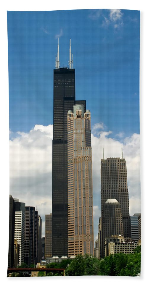 3scape Beach Sheet featuring the photograph Willis Tower Aka Sears Tower by Adam Romanowicz