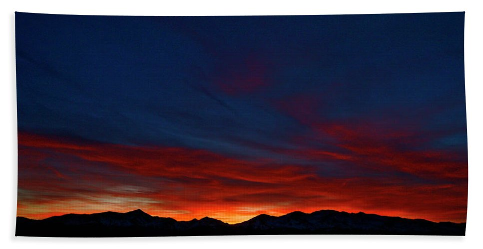 Landscapes Beach Towel featuring the photograph Winter Sunset by Jeremy Rhoades