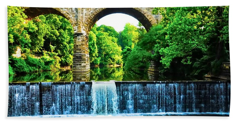 Philadelphia Beach Towel featuring the photograph Wissahickon Falls by Bill Cannon