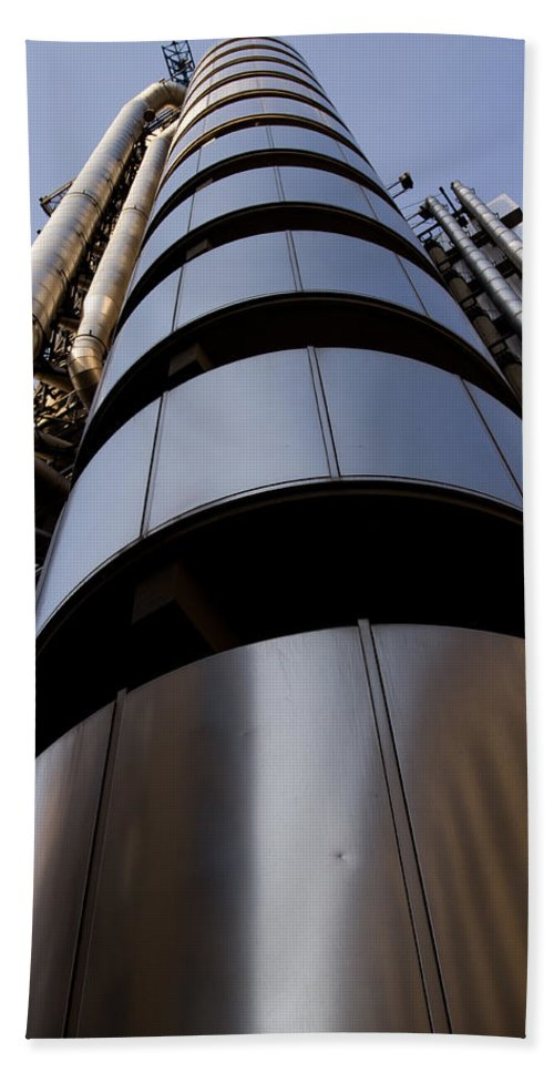 London. England Beach Towel featuring the photograph Lloyds Of London Building by David Pyatt