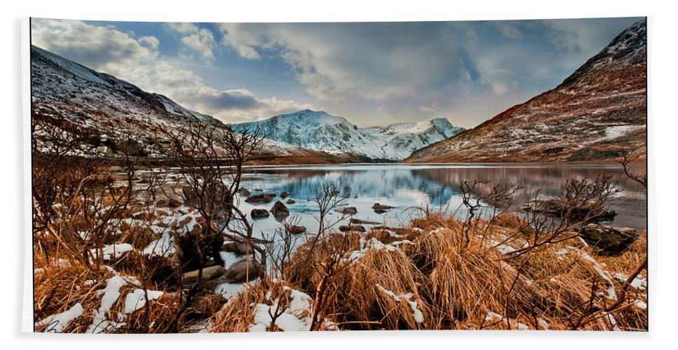 Lake Beach Towel featuring the photograph Llyn Ogwen by Beverly Cash