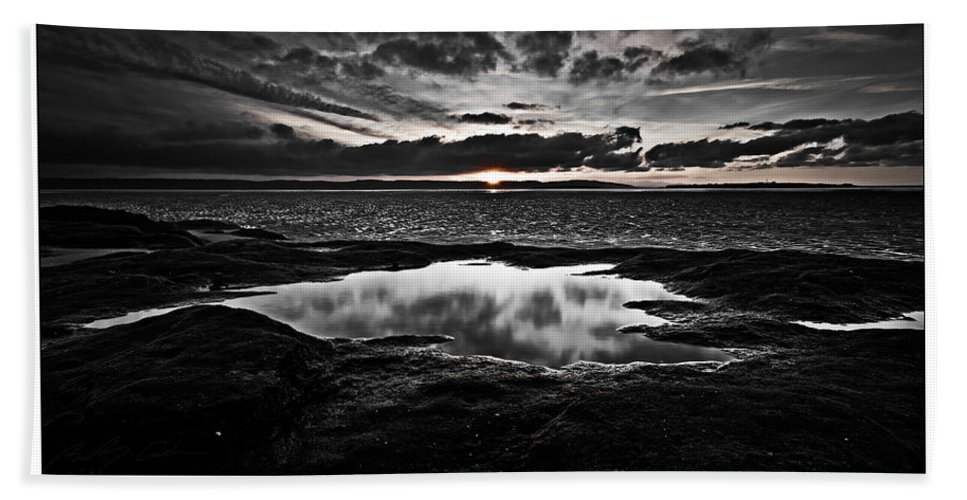 Black And White Beach Towel featuring the photograph Red Rock Beach  by Beverly Cash