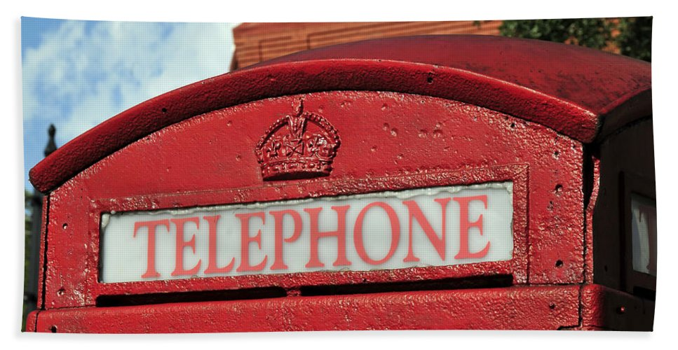 British Red Telephone Both Beach Towel featuring the photograph London Calling by David Lee Thompson