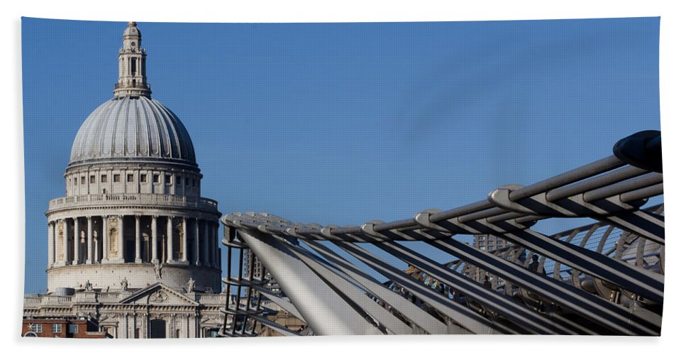 Cathedral Beach Towel featuring the photograph St Pauls Cathedral And The Millenium Bridge by David Pyatt
