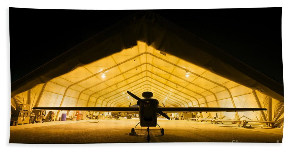 Rq-5 Hunter Beach Towel featuring the photograph An Rq-5 Hunter Unmanned Aerial Vehicle by Terry Moore