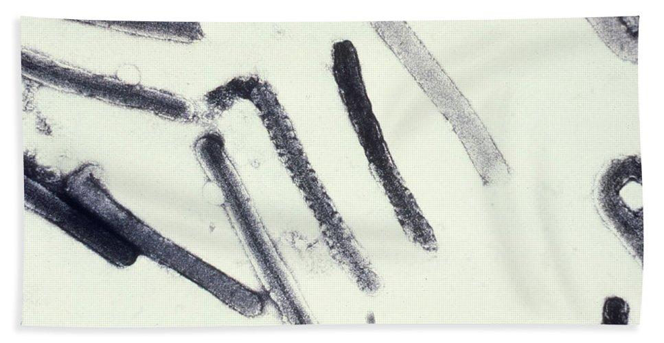 Filovirus Beach Towel featuring the photograph Marburg Virus, Tem by Science Source