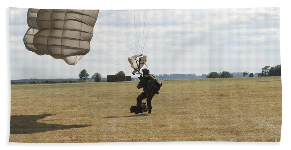 British Army Beach Towel featuring the photograph A Member Of The Pathfinder Platoon by Andrew Chittock