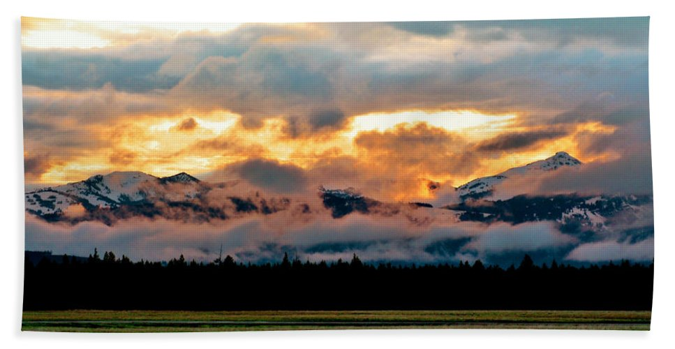 Sunset Beach Towel featuring the photograph Absaroka Sunset by Ellen Heaverlo
