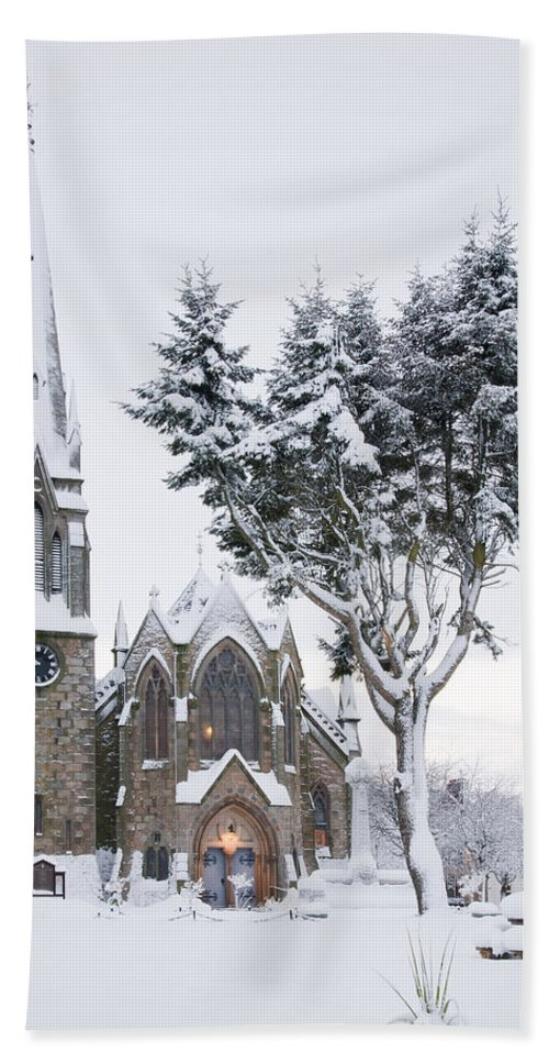 Ballater Beach Towel featuring the photograph Ballater Church In Snow by Howard Kennedy