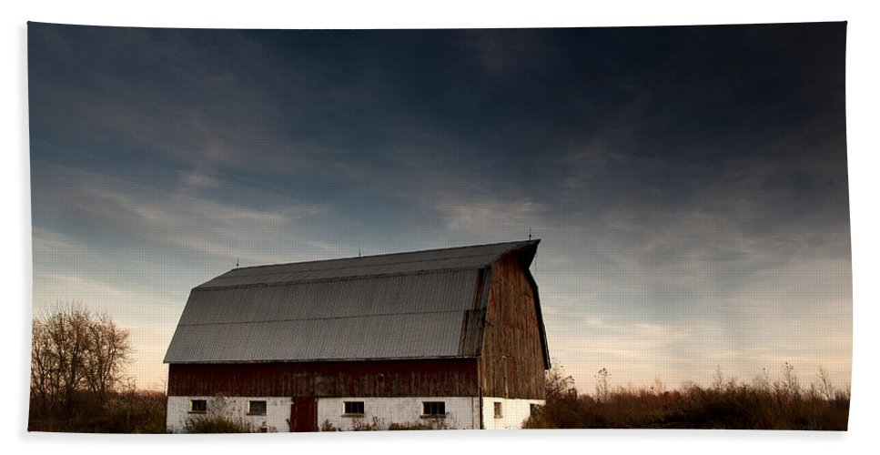 Barn Beach Towel featuring the photograph Barn by Cale Best