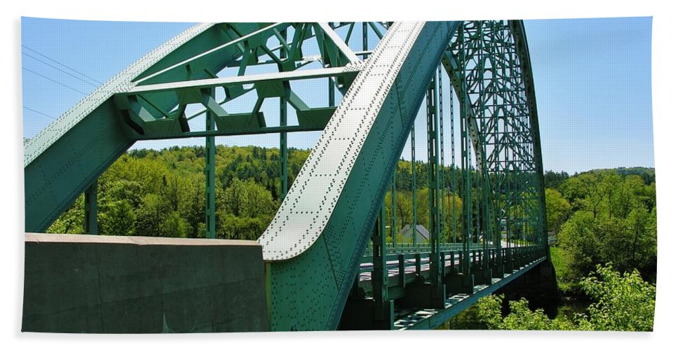 Suspension Bridge Beach Towel featuring the photograph Bridge Spanning Connecticut River by Sherman Perry