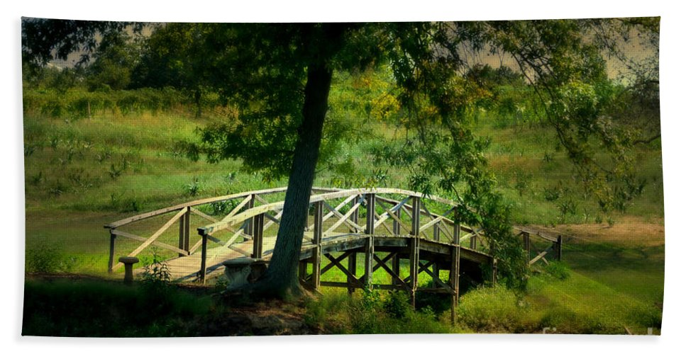 Landscape Beach Towel featuring the photograph Bridge To Heaven by Peggy Franz