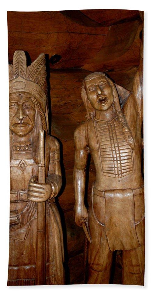 Usa Beach Towel featuring the photograph Carved American Indians by LeeAnn McLaneGoetz McLaneGoetzStudioLLCcom