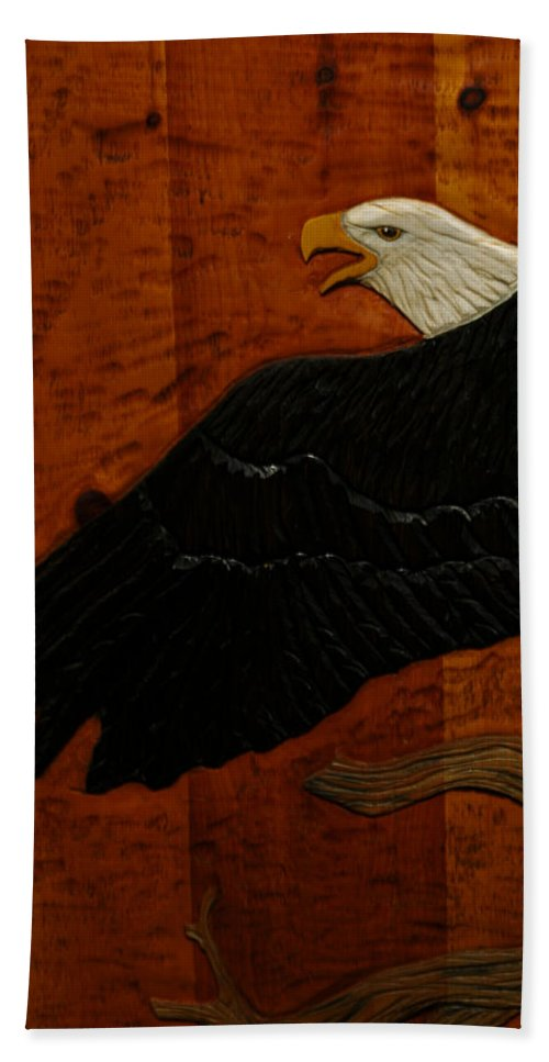 Usa Beach Towel featuring the photograph Carved Eagle by LeeAnn McLaneGoetz McLaneGoetzStudioLLCcom