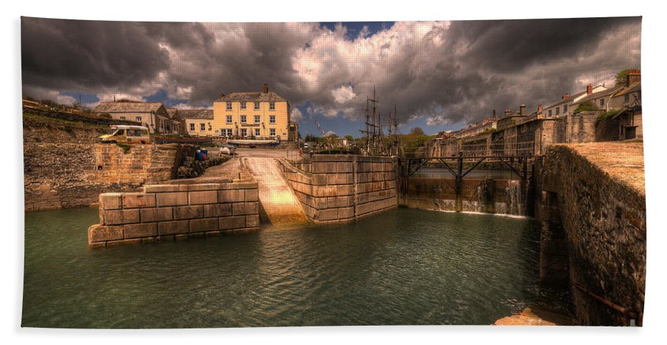 Charlestown Beach Towel featuring the photograph Charlestown Harbour by Rob Hawkins