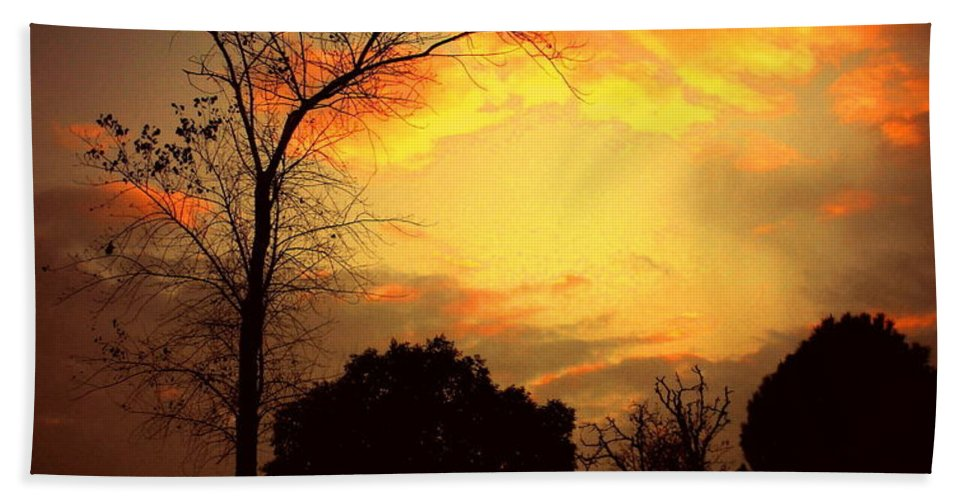 Cottonwood Beach Towel featuring the photograph Cottonwood Sunset by Joyce Dickens