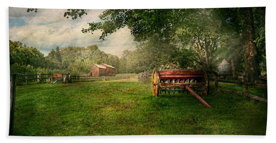 Wagon Beach Towel featuring the photograph Country - The Crops Almost Ready by Mike Savad
