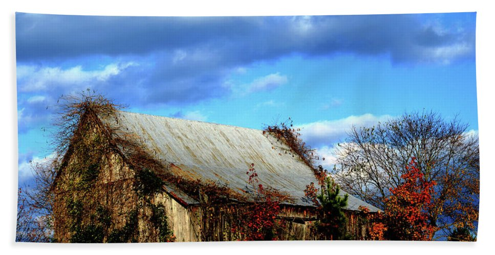 Country Beach Towel featuring the photograph Country Barn by La Dolce Vita