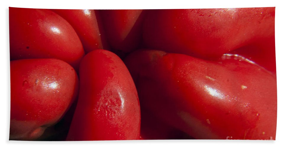 Pepper Beach Towel featuring the photograph Crunchy Red Pepper by Darleen Stry