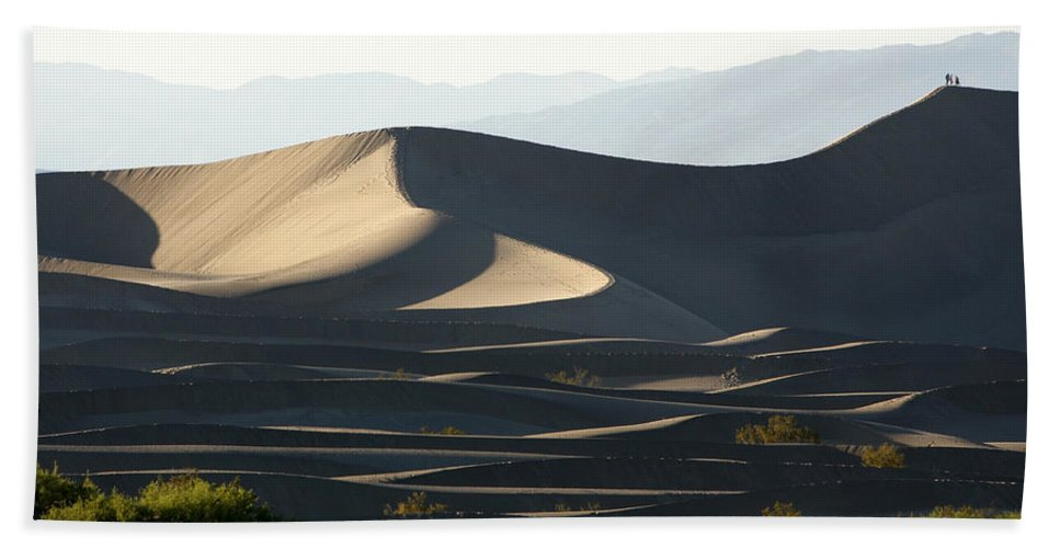 Death Valley Dunes Beach Towel featuring the photograph Death Valley Dunes by Wes and Dotty Weber