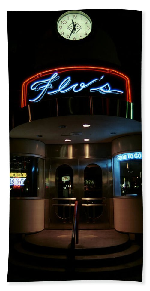 Diner Beach Towel featuring the photograph Diner At Night by Andrew Fare