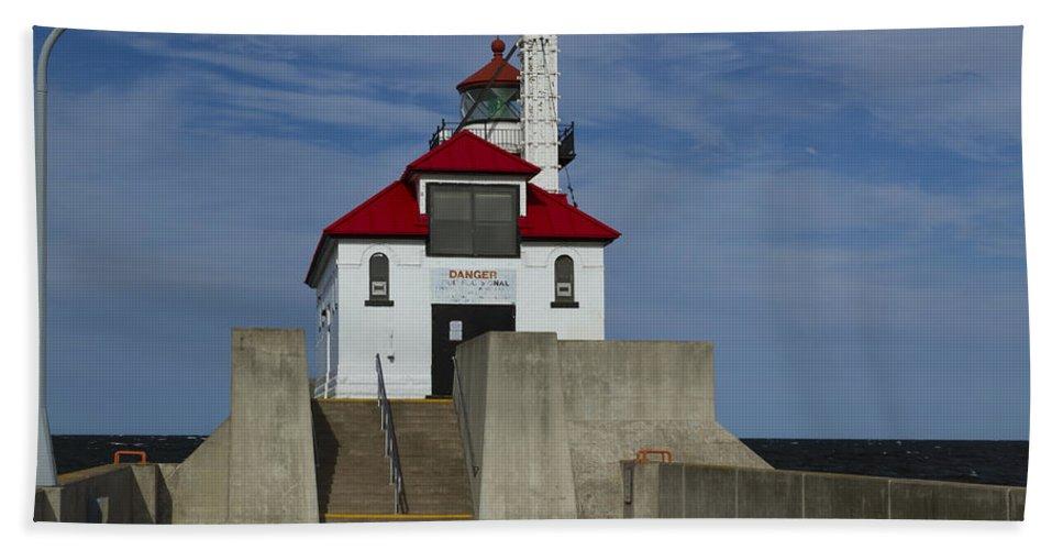Lighthouse Beach Towel featuring the photograph Duluth S Pierhead 23 by John Brueske