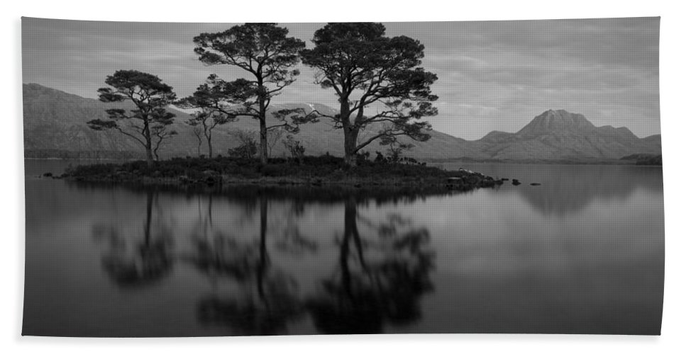 Loch Maree Beach Towel featuring the photograph Dusk At Loch Maree by Howard Kennedy