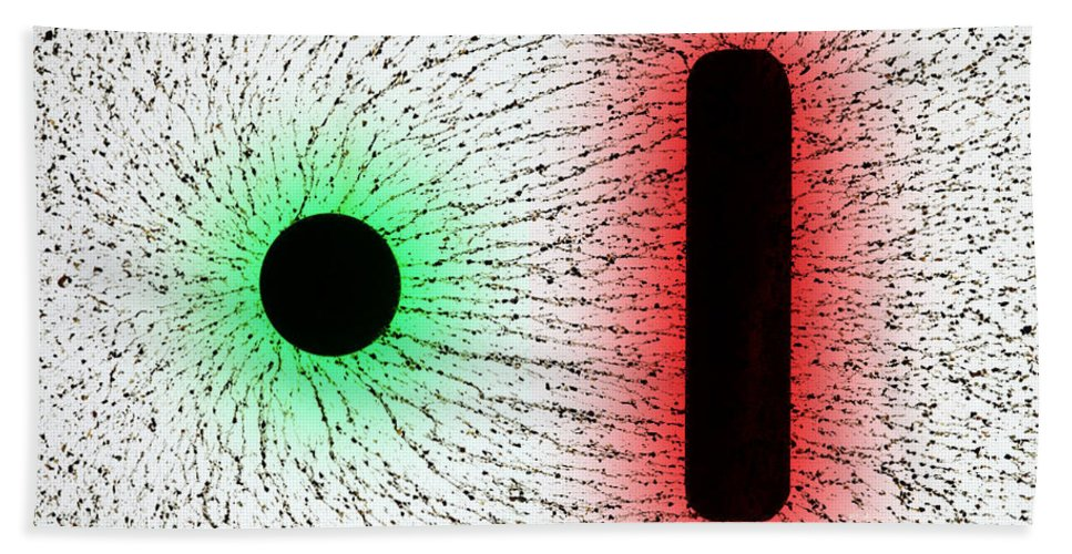 E Fields Beach Towel featuring the photograph Electrostatic Field Lines Unlike Charges by Ted Kinsman