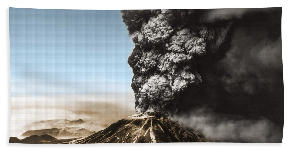 Science Beach Towel featuring the photograph Eruption Of Mount St. Helens by Science Source