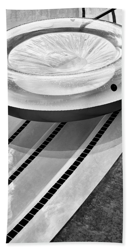 V Beach Towel featuring the photograph Float Bw Palm Springs by William Dey