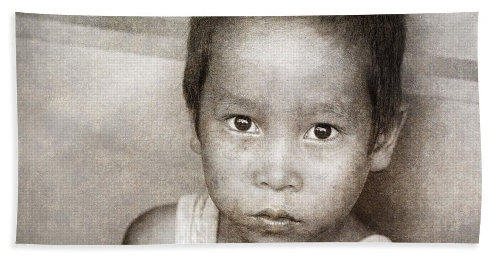 Abandoned Beach Towel featuring the photograph Forgotten Faces 12 by Skip Nall