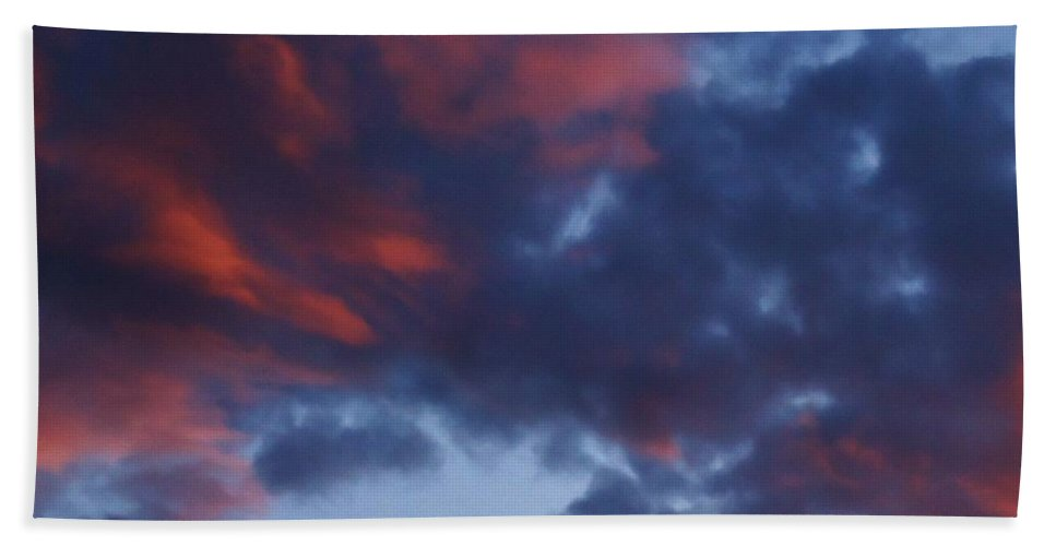 Clouds And Skies Beach Towel featuring the photograph Glorious Clouds by Lois  Rivera
