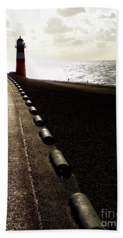 Light House Beach Towel featuring the photograph Go Forward by Lainie Wrightson