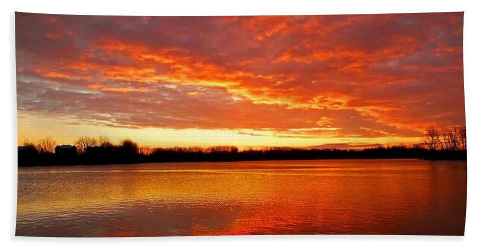 North America Beach Towel featuring the photograph Good Morning ... by Juergen Weiss