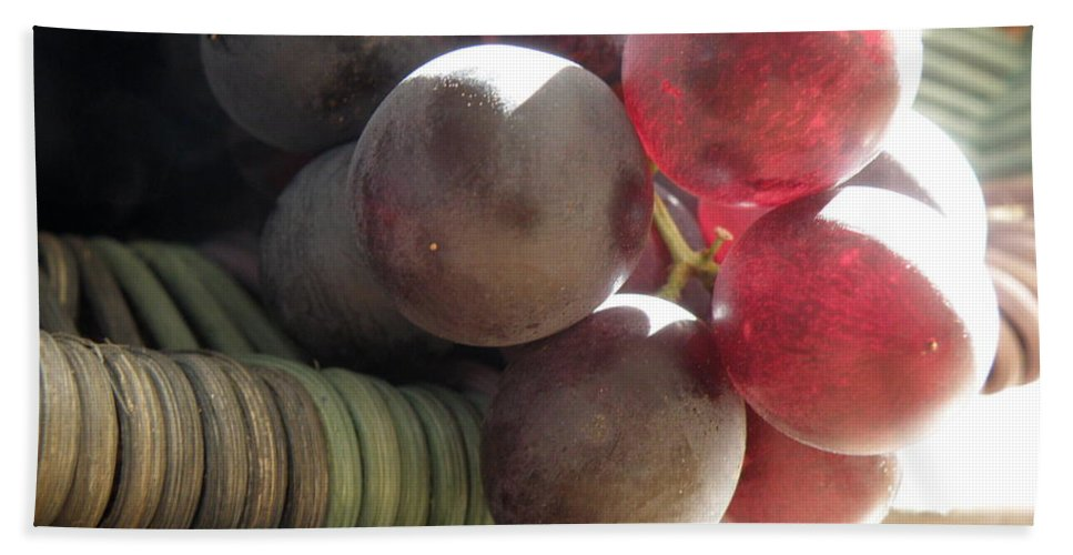 Grapes Beach Towel featuring the photograph Grape Glow by Lainie Wrightson