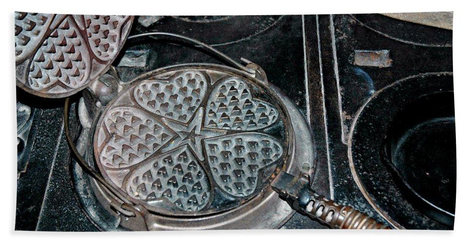 Usa Beach Towel featuring the photograph Heart Waffle Iron by LeeAnn McLaneGoetz McLaneGoetzStudioLLCcom
