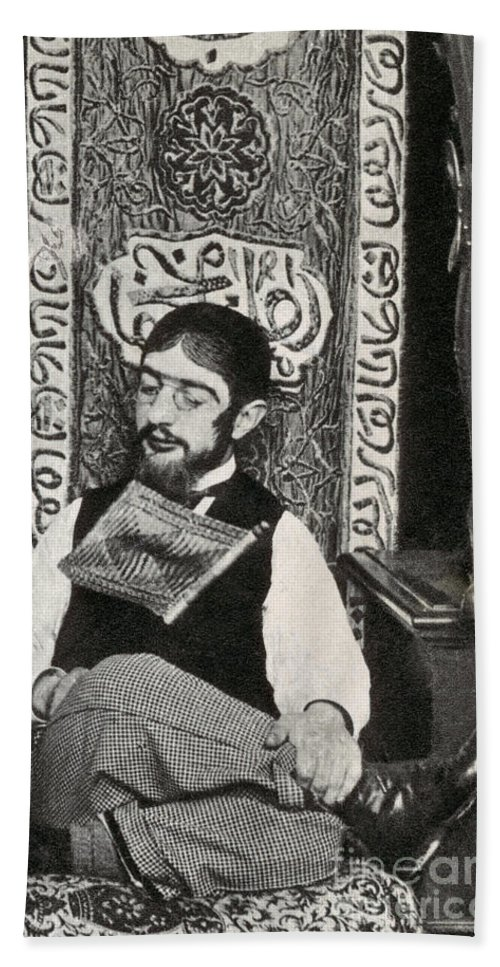 History Beach Towel featuring the photograph Henri Toulouse-lautrec by Photo Researchers
