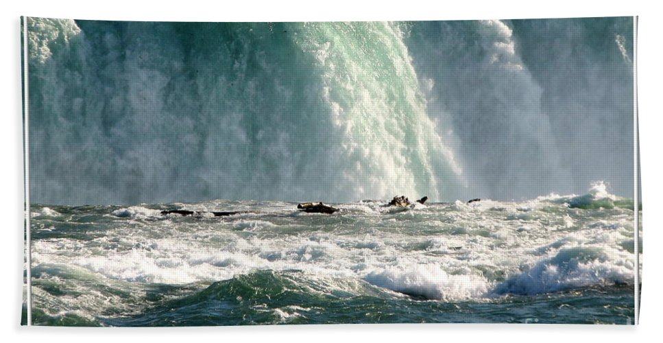 Canada Beach Towel featuring the photograph Horseshoe Falls Closeup Over The Brink by Rose Santuci-Sofranko