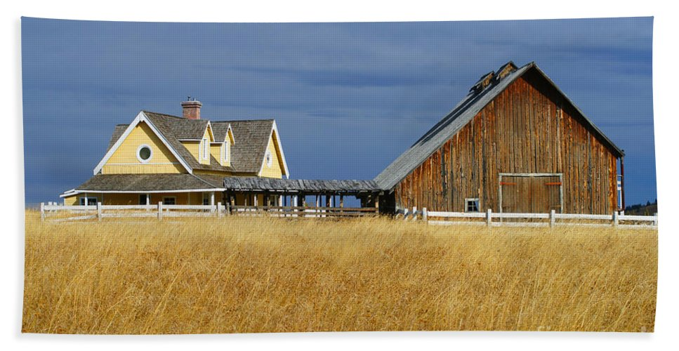 Old Barn Beach Towel featuring the photograph House And Barn by Randy Harris