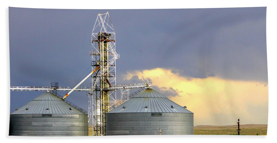 Digital Photography Beach Towel featuring the photograph Kansas Farm by Jeanette C Landstrom