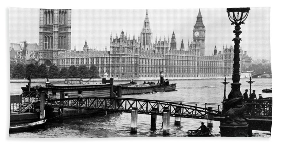 house Of Parliament Beach Towel featuring the photograph London England - House Of Parliament - C 1909 by International Images