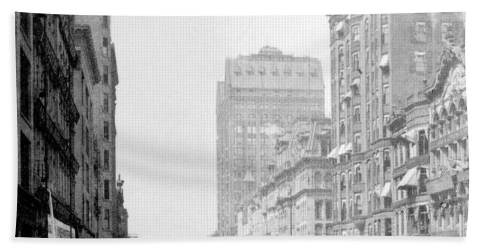 chicago Illinois Beach Towel featuring the photograph Looking Down State Street - Chicago - C 1897 by International Images