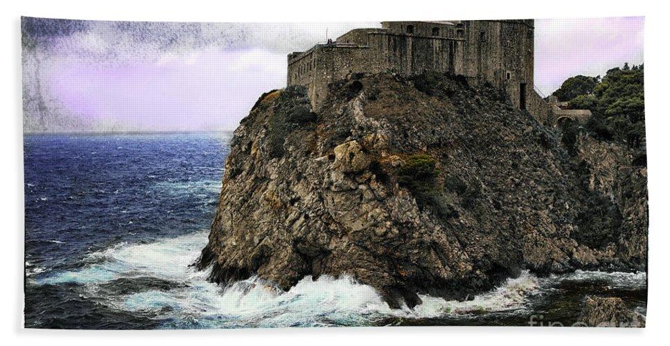 Lovrijenac Beach Towel featuring the photograph Lovrijenac Tower In Dubrovnik by Madeline Ellis