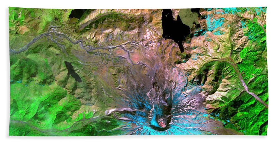 Aerial Beach Towel featuring the photograph Mount St. Helens by Science Source
